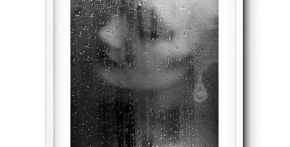 I can´t stand the rain against my window..