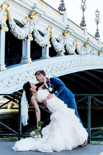get married in Paris, gifta sig i Paris, Paris elopement, tour eiffel, eiffel tower, wedding couple in Paris, bröllop i Paris, brudpar i Paris, gifte seg i Paris, bryllup i Paris, Svenska Ambassaden i Paris,sjomannskirken in paris, elop to Paris, wedding in Paris, gifta sig i Frankrike, Pont Alexandre,