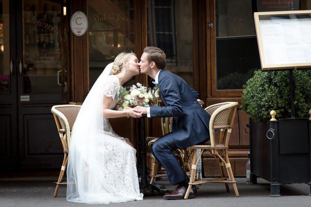 Wedding photo in Paris