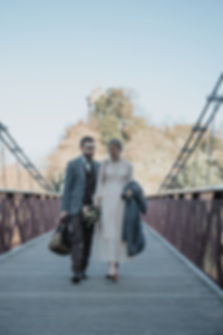 wedding couple at Parc de Buttes-Chaumont