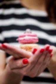Proposal in Paris, engagement in Paris, ring with macarons,