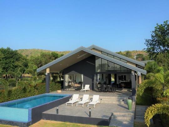 17_Kingfisher , Luxury pool Villa.png