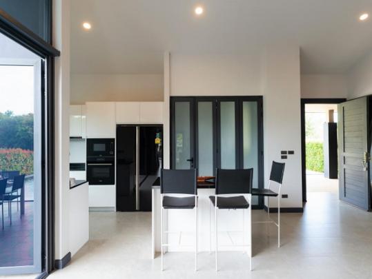 10_Open plan kitchen.png