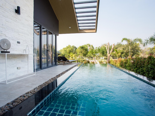 19_Swimming pool.png