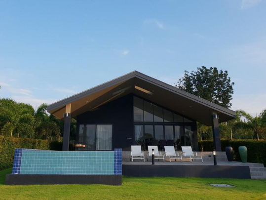 18_Kingfisher , luxury pool villa.png