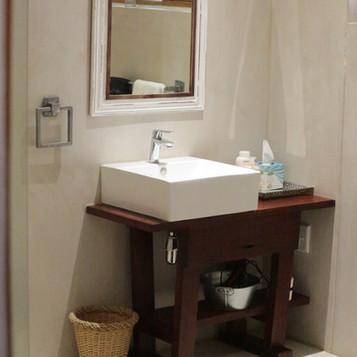 BathroomNBP_7289.jpg