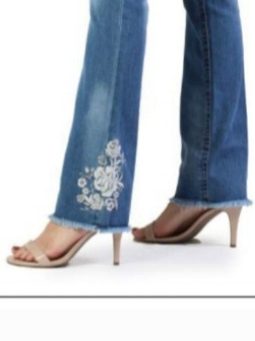 GRACE IN LA EASY FIT EMBROIDERED FLORAL LIGHTWASH BOOT CUT JEANS #640