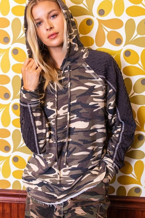 CAMOUFLAGE PRINT HOODED SWEATSHIRT WITH CABLE KNIT INSERTS #467