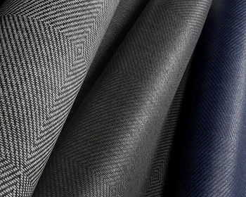 tapet kami -ito cluj, tapet textura de textil, tapet cu carouri mari , tapet bicolor cu geometrie.jpg