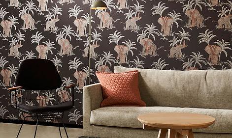 Tapet Exotique cluj, tapet negru cu elefanti cluj, tapet decorativ cluj, magazin tapet cluj, design cu tapet cluj, design interior cluj.jpg