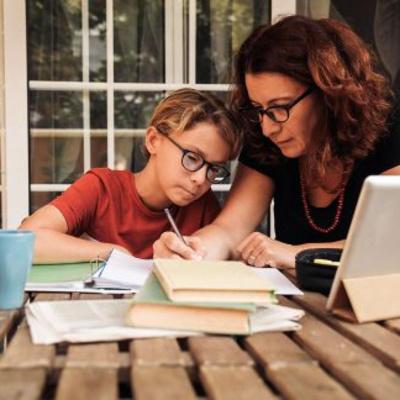 Πώς να βοηθήσετε το παιδί σας να συγκεντρώνεται στο διάβασμα! 8 Χρήσιμες Συμβουλές