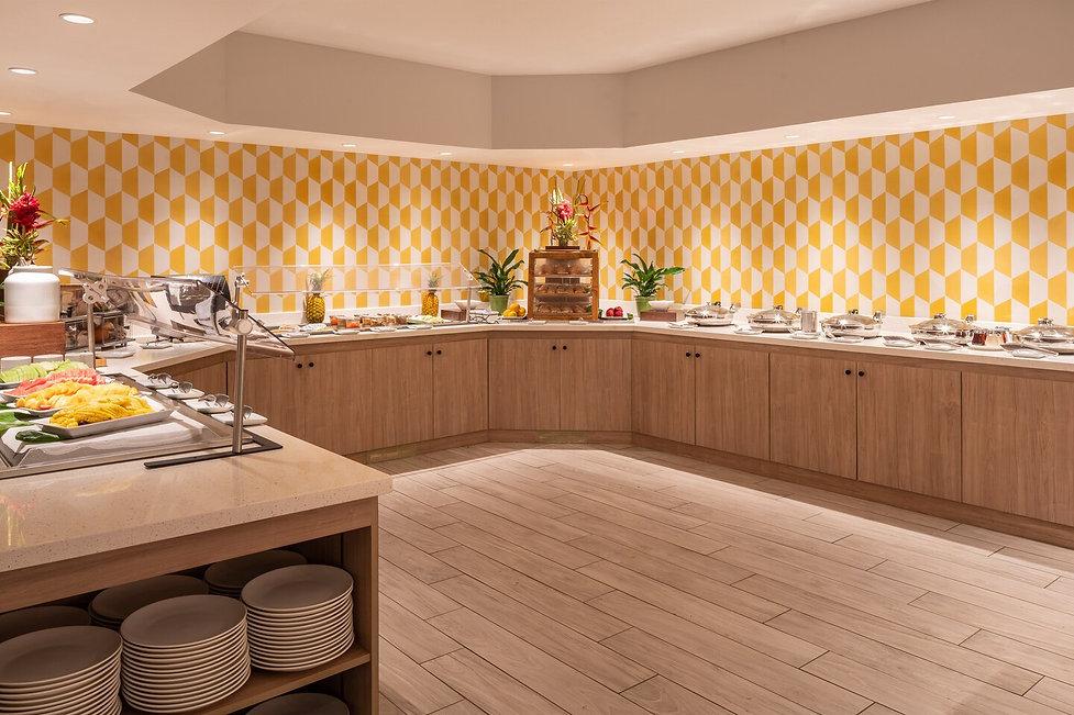 Kauai-daybreak-restaurant-buffett line i