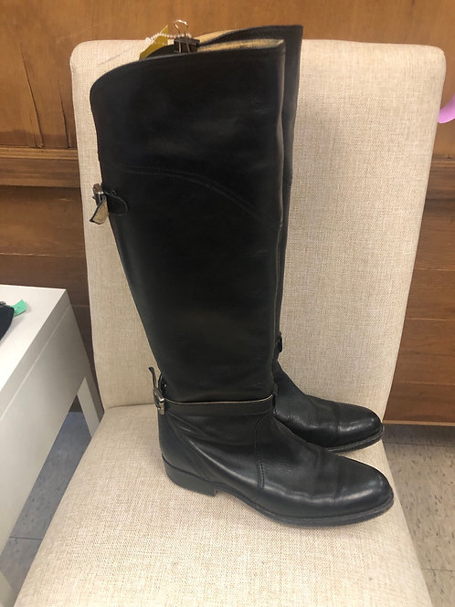 Frye flat boots in size 7
