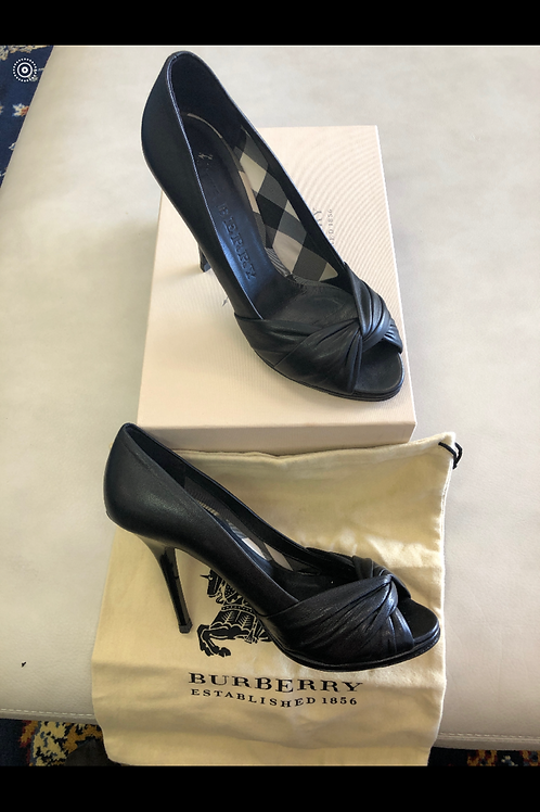 Burberry Glove Leather Pumps size 7