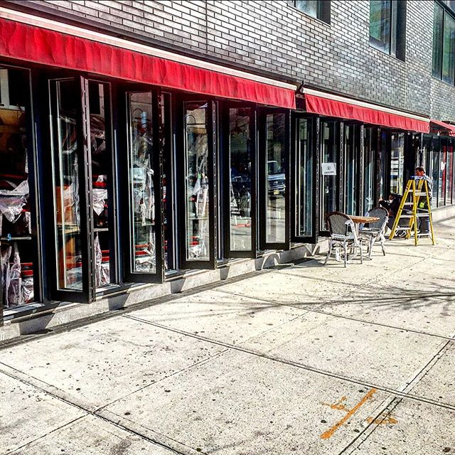 #bifolddoors #glass #aluminum #storefron