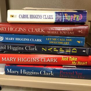 6 Higgins Clark books (Mary AND Carol!)