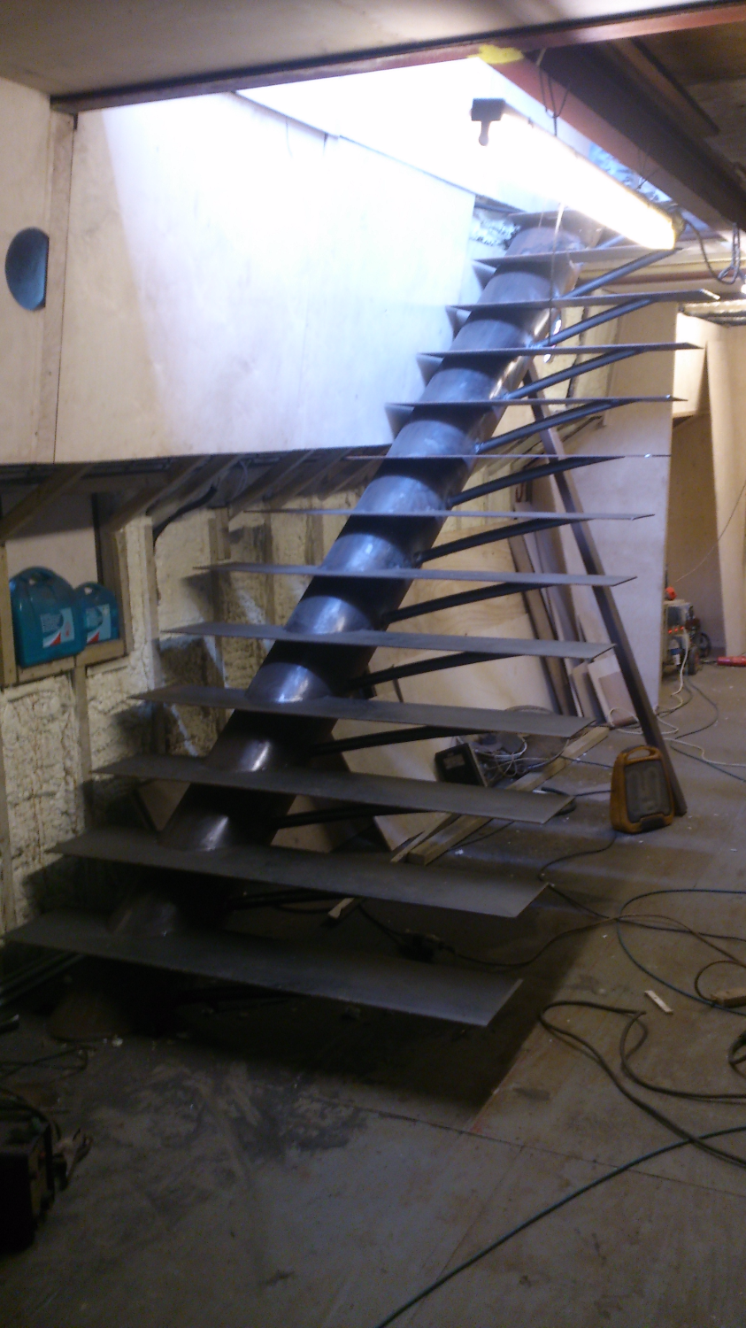 Cantilevered staircase 2