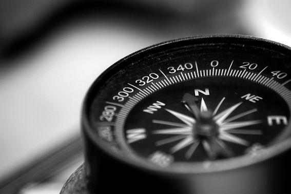 compass-5261062_1920_edited.jpg