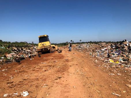 Prefeitura inicia trabalho de melhoramento em área utilizada para descarte de lixo