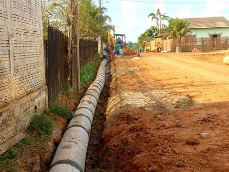 Prefeitura realiza serviço de drenagem em trecho da Rua Manoel Firmino Matos, no Jardim Primavera