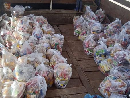 Prefeitura envia mais de 400 cestas básicas para ribeirinhos que residem às margens do Rio Purus