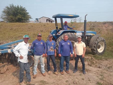 Apoios ao homem do campo: Prefeitura Beneficia produtores rurais com serviço de drenagem