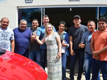 Mazinho Serafim entrega novo veículo e equipamentos ao Creas de Sena Madureira