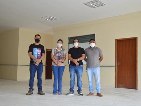 Secretário de Cidadania visita o prédio do novo Centro do Idoso