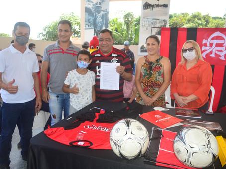 Prefeitura realiza cerimônia de pré-lançamento da escolinha oficial do Flamengo em Sena Madureira
