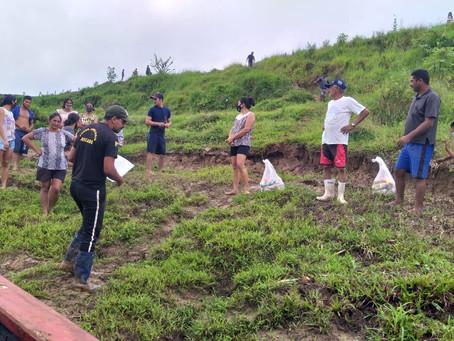 Famílias ribeirinhas do Rio Iaco agradecem à Prefeitura de Sena pela entrega de cestas básicas