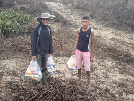 Prefeitura entrega mais de 150 cestas básicas para famílias ribeirinhas do Rio Caeté