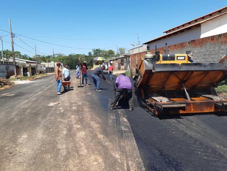 Prefeitura pavimenta trecho da Rua Padre Egídio, que há mais de 20 anos não era revitalizado