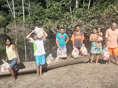Moradores do Rio Purus agradecem ao prefeito Mazinho Serafim pelo envio de cestas básicas