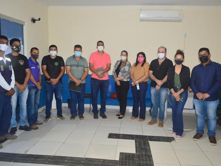 Prefeitura mantém reunião visando a elaboração do Plano de Saneamento Básico em Sena Madureira