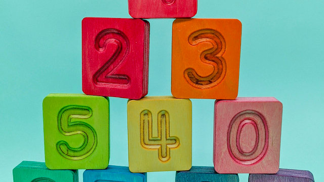 Hellion Wooden Number Cubes