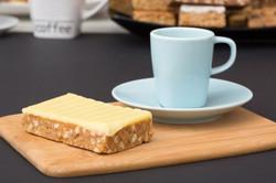 4037-24 DV Crunchy Cake Lemon Fudge