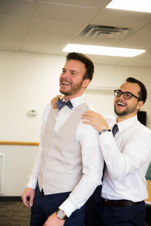 getting ready, wedding day, groom, best man, wedding photography, wisconsin wedding
