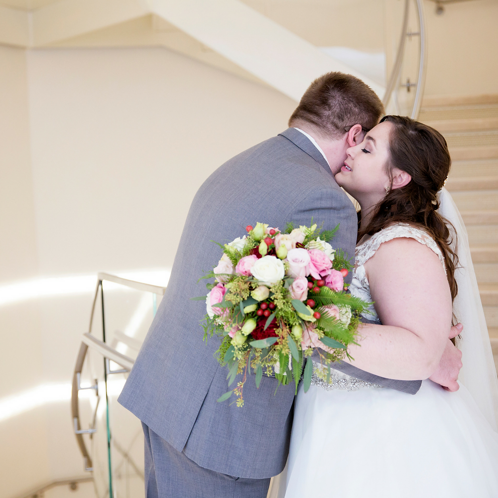 first look, wedding, wisconsin, bride, groom, madison, love, bouquet, veil