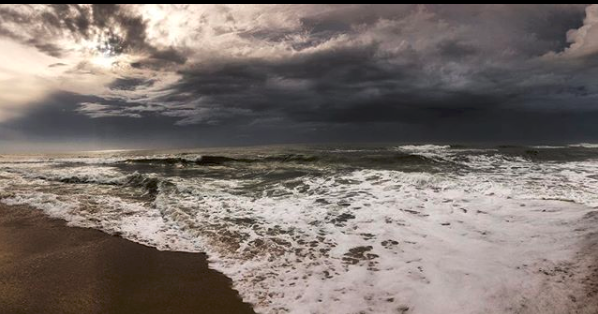 storm, stormy sea, ocean, atlantic, east coast, outerbanks, cape hatteras, travel photography, wedding photography