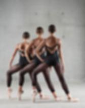 Bailarinos modernos