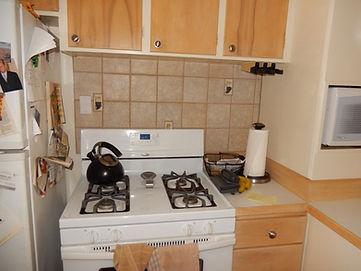 awkward stove place.jpg