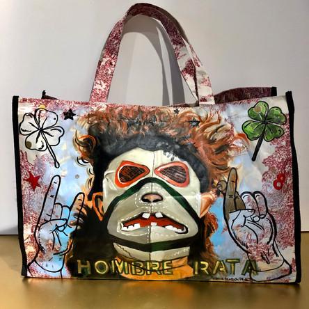 Hombre Rata, Bulldog! Huile et marqueurs sur sac en toile plastique, motif toile de Jouy. 35/52 cm, Exemplaire unique, signé