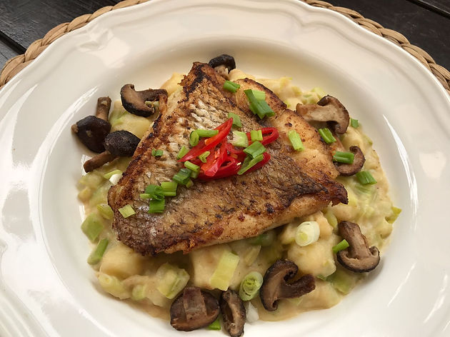 30 Minute Meals : Pan Fried Fish with Creamed Leeks & Potatoes