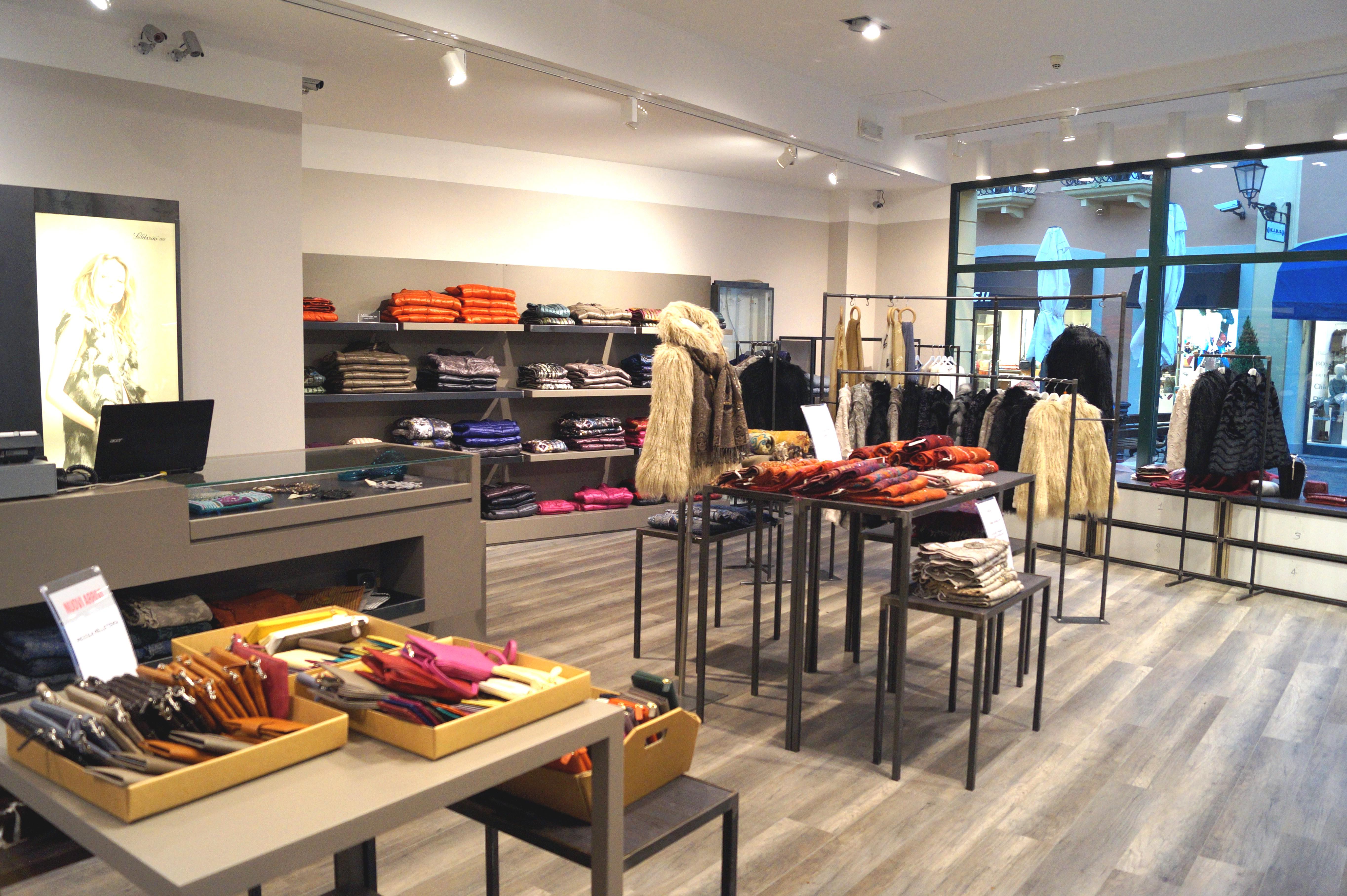 Saldarini 1882 concept store