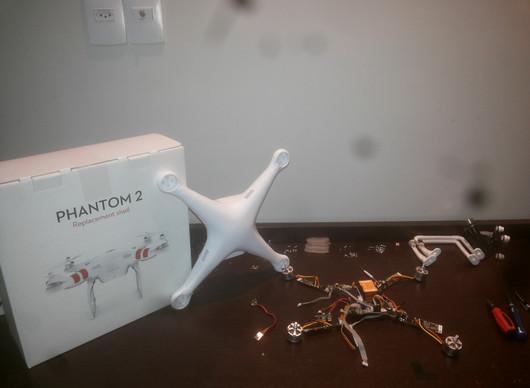 Instalação do Kit FPV Boscam 5.8ghz no Drone Dji Phantom 2 e Troca da Carcaça Hard Shell