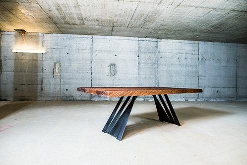 Tisch Stelzenstolz