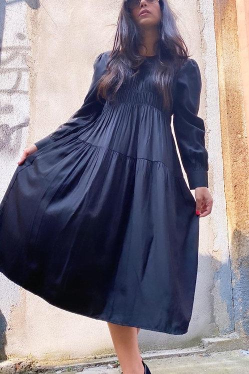 שמלת אלגנט כיווצים חדשה צבע שחור