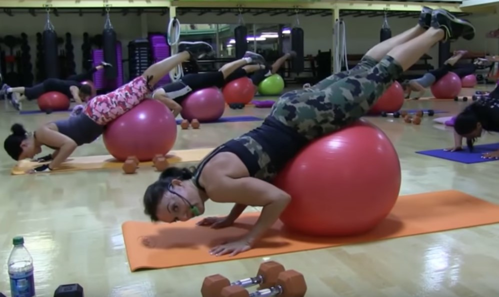 Cathe Live: Stability Ball Total Body Weights