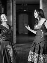Cantautora peruana Julie Freundt y la soprano Silvia Falcón