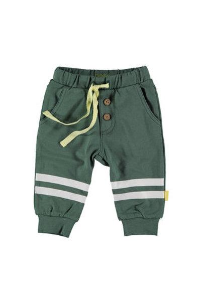 Groen broekje met streken op knie